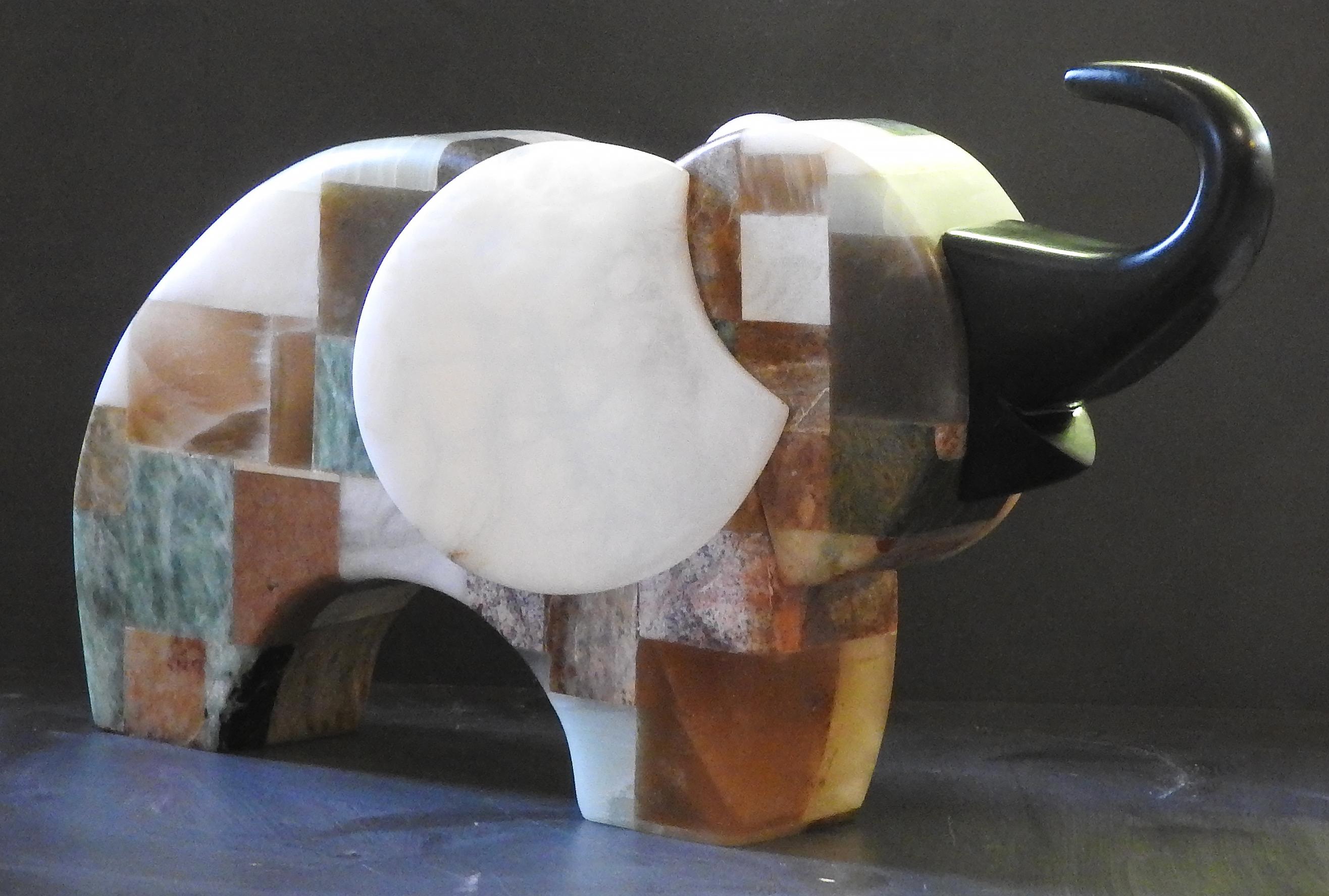 Kunstwerk gemaakt door Antje getiteld Blijde olifant