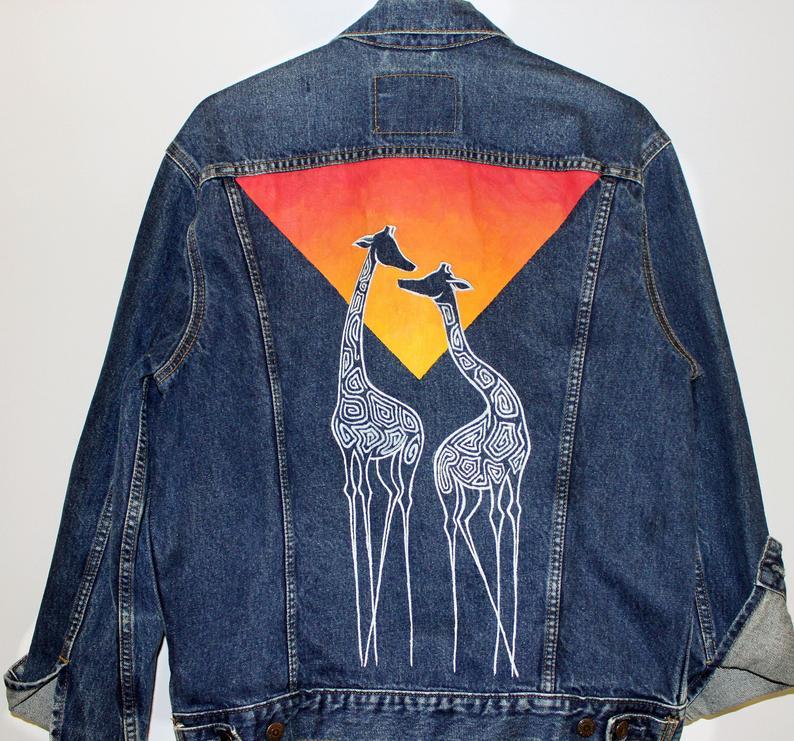 Kunstwerk gemaakt door Drippin getiteld Giraffen Levi's denim jasje